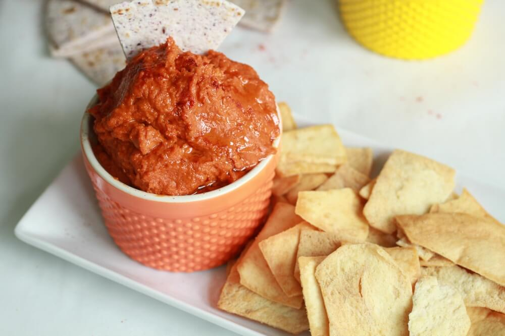 Best Healthy Recipes for the Super Bowl Hummus