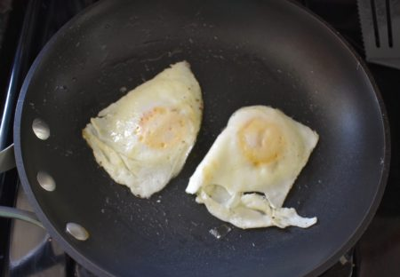 How to Cook Over Medium Eggs cooked