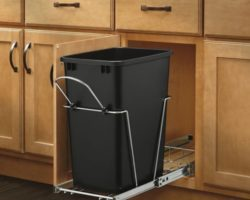 Top 12 Best Kitchen Trash Cans in 2021