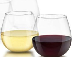 10 Wine Glasses Let You Toss Your Wine Slowly and Meaningfully with Your Partners and Friends