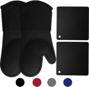 HOMWE Silicone Oven Mitts and Pot Holders